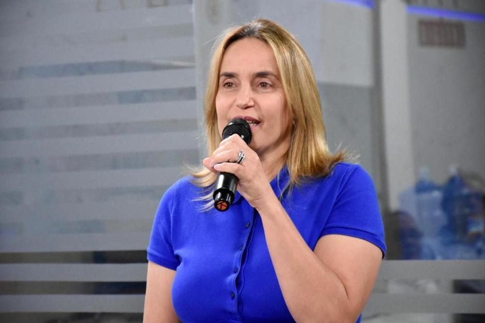 Proteção de direitos e transparência para o consumidor são objetivos de Alessandra Vieira
