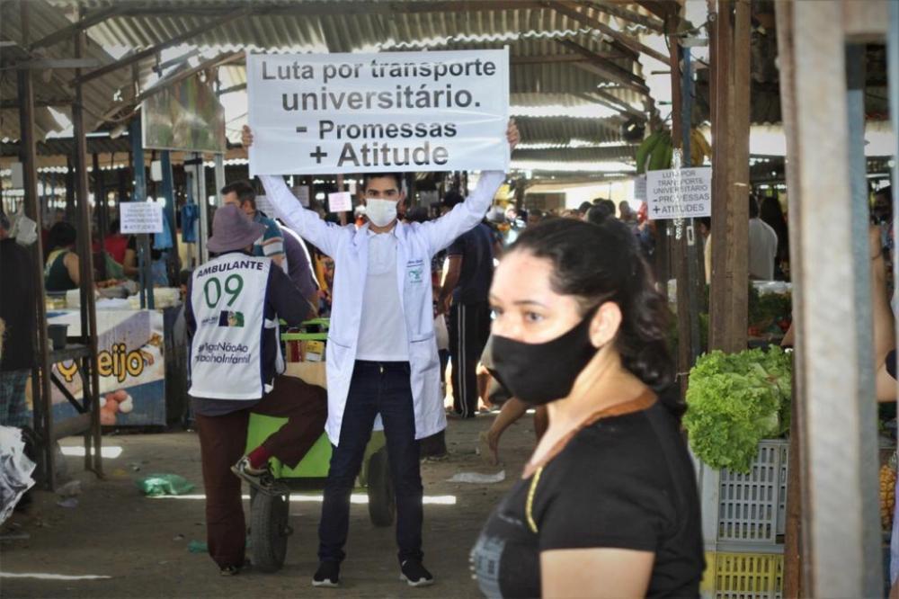 Universitários de Santa Cruz do Capibaribe pressionam classe política por melhorias no transporte de estudantes