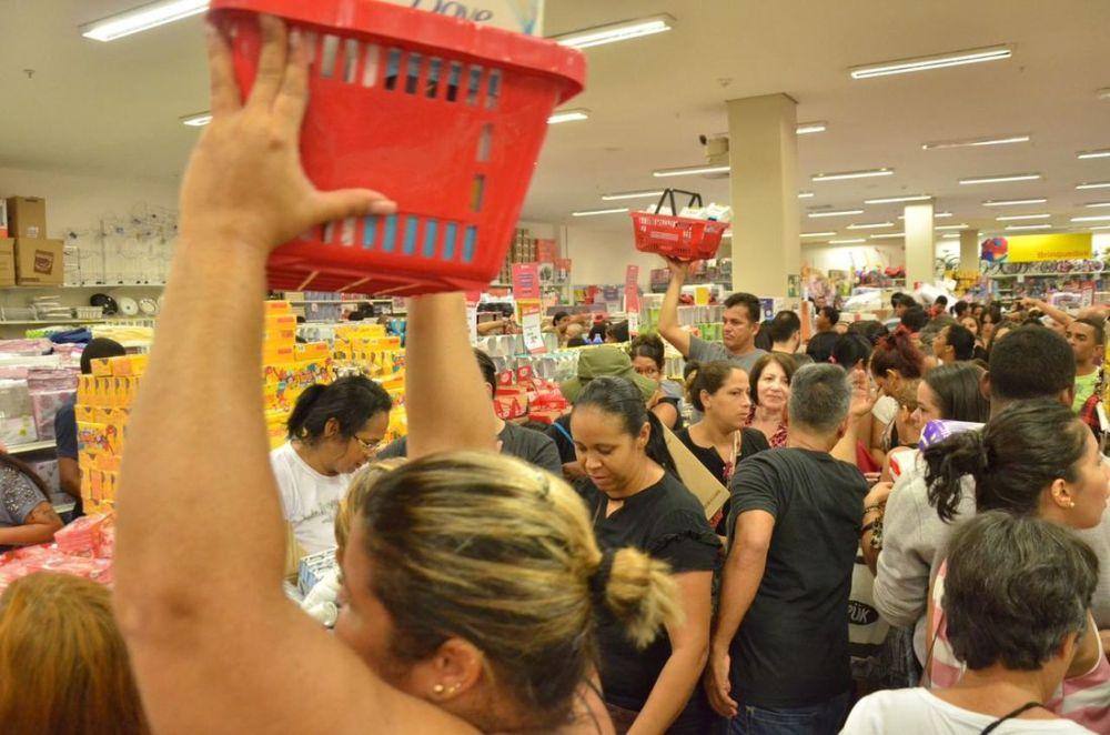 Procon Pernambuco orienta consumidores para Black Friday