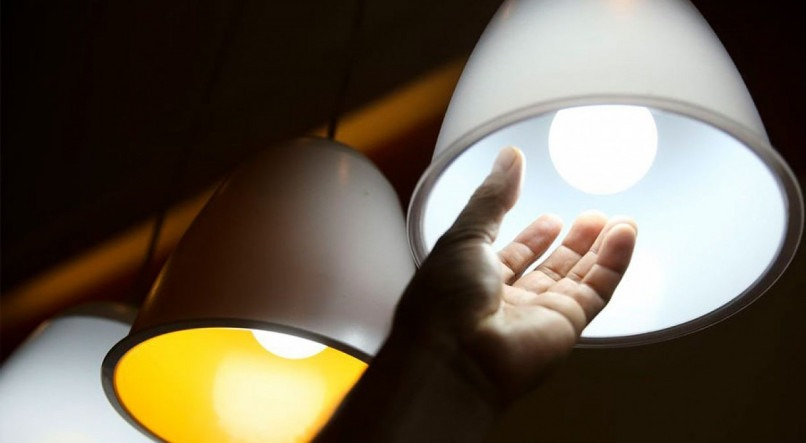 Com bandeira amarela, conta de luz ficará mais barata em janeiro