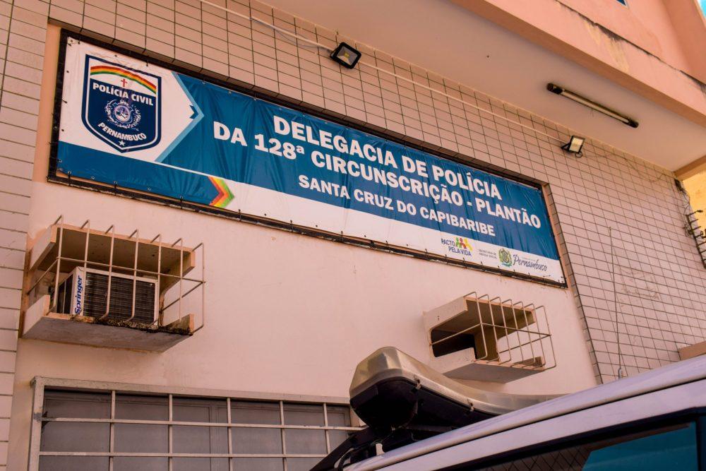 Mulher é detida após quebrar vidro de viatura em Santa Cruz do Capibaribe