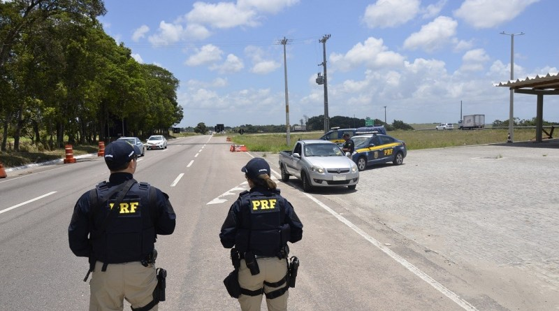 Acidentes deixam 5 mortos e 35 feridos em rodovias federais