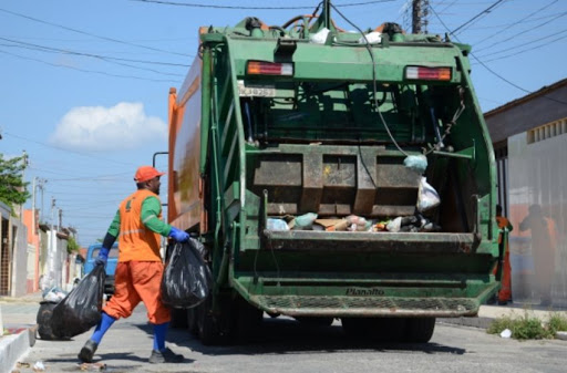 Confira o calendário da coleta de lixo nos bairros de Santa Cruz do Capibaribe