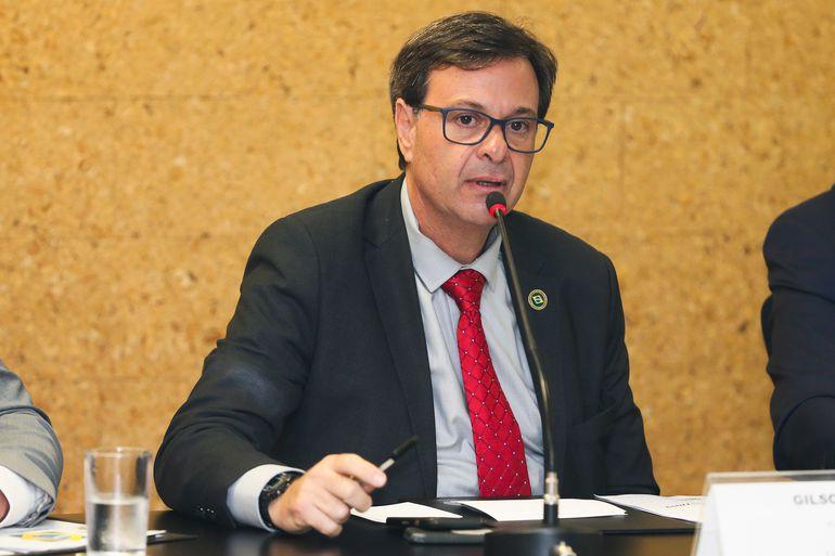 Ministro acena para realizar São João