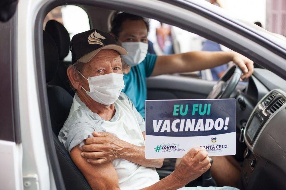 Novo Drive-thru de vacinação contra a Covid-19 é realizado em Santa Cruz