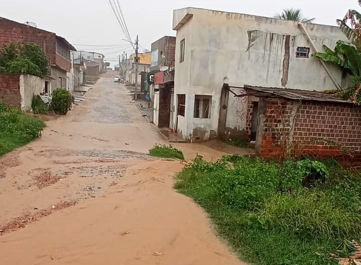 Chuvas provocam alagamentos em diversos pontos de Pesqueira, no Agreste
