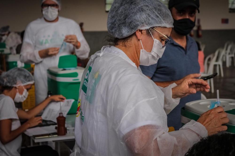 Caruaru amplia vacinação de pessoas com comorbidades para 18 anos