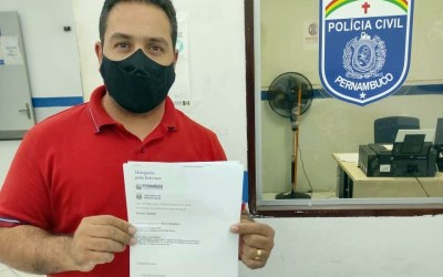 Cleiton Barboza presta queixa após publicação em perfil fake