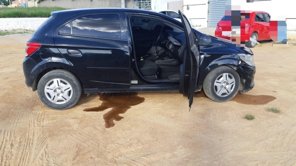 PRF detém suspeito de assalto a banco com carro roubado em Pesqueira