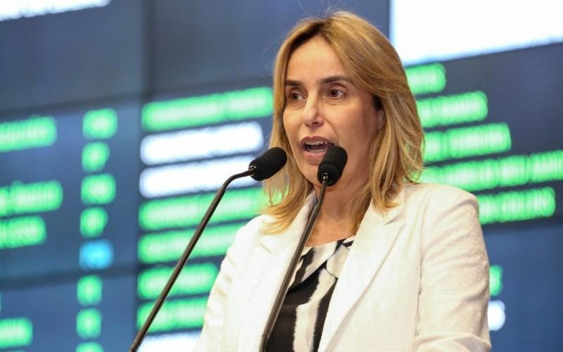 Alessandra Vieira cobra solução para constantes quedas de energia em Santa Cruz do Capibaribe
