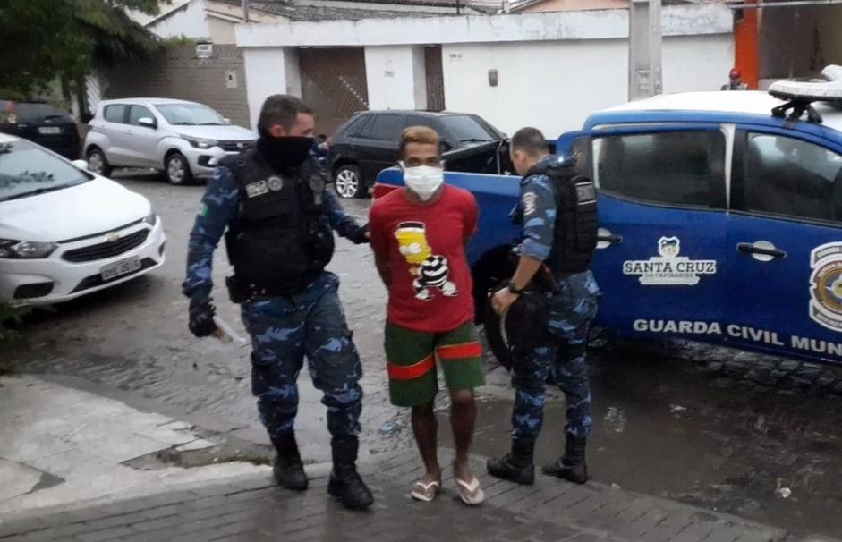 Após ser detido, indivíduo assume que arrombou Câmara Municipal de Santa Cruz do Capibaribe