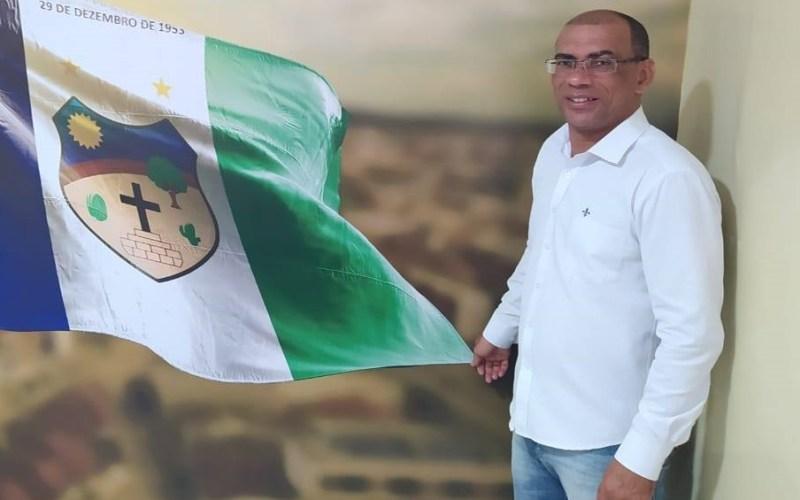Vereador Irmão Soares compartilha Fake News criada com o objetivo de justificar aumento de mortes pela Covid-19 no Brasil