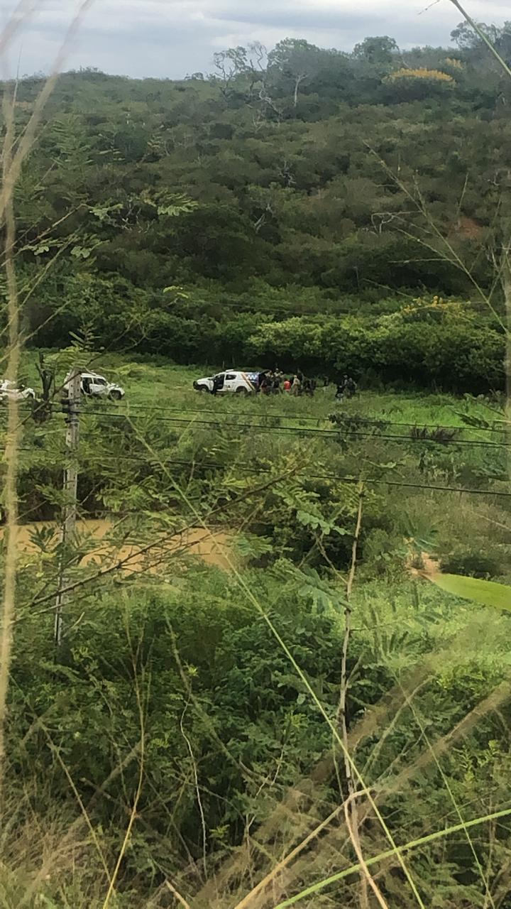 Policiais do BEPI e GCMs trocam tiros com criminosos e um dos bandidos acaba morto em Taquaritinga do Norte