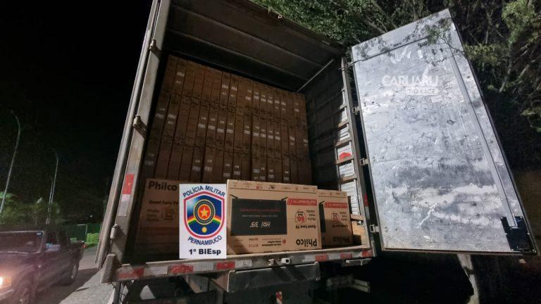 Polícia Militar recupera caminhões e carga roubada no Agreste