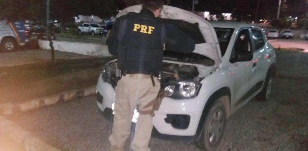 Homem é preso com veículo roubado em Caruaru após atirar contra policiais na BR-232