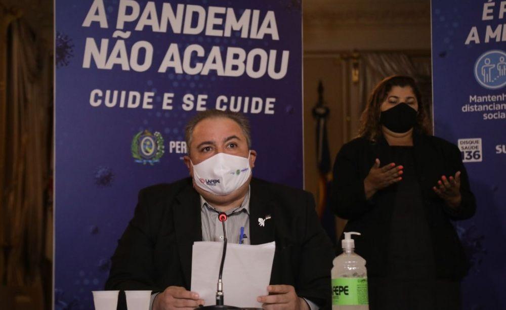 Governo de Pernambuco declara apoio a municípios que tomarem medidas para inibir escolha de vacinas