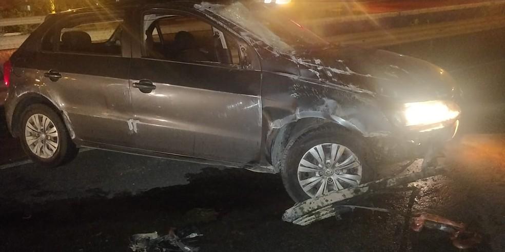 Seis pessoas ficam feridas após colisão entre dois carros e um cavalo na BR-232, em São Caetano
