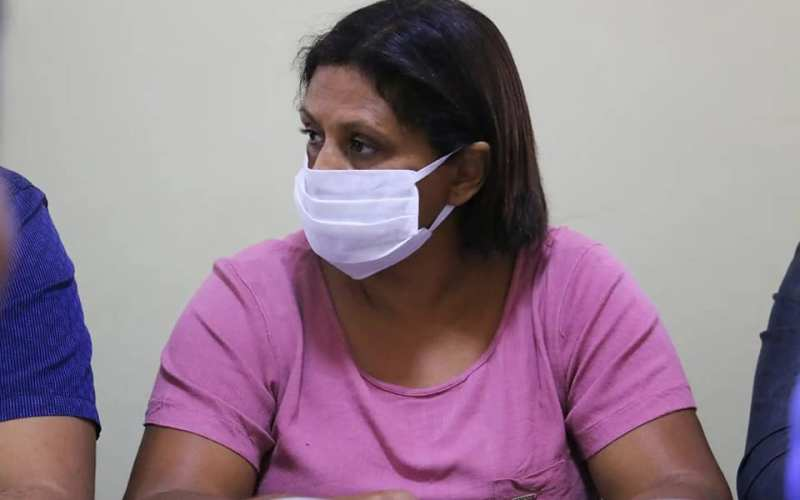 Após informações sobre tumulto em hospital, vereadora Nega se pronuncia sobre o caso