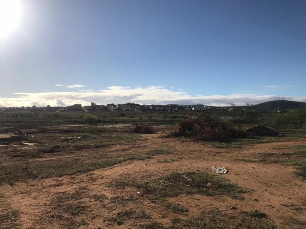 Após denúncias, prefeitura alega que embargará loteamento que está sendo construído em área do Açude da Manhosa