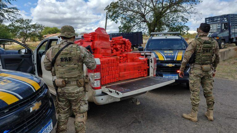 PRF apreende uma tonelada de maconha dentro de caminhonete roubada no Sertão de Pernambuco