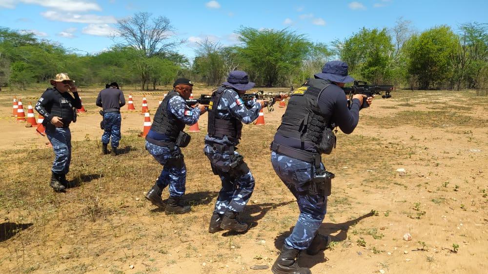 Guarda Civil Municipal de Santa Cruz do Capibaribe passa por treinamento da CIAT