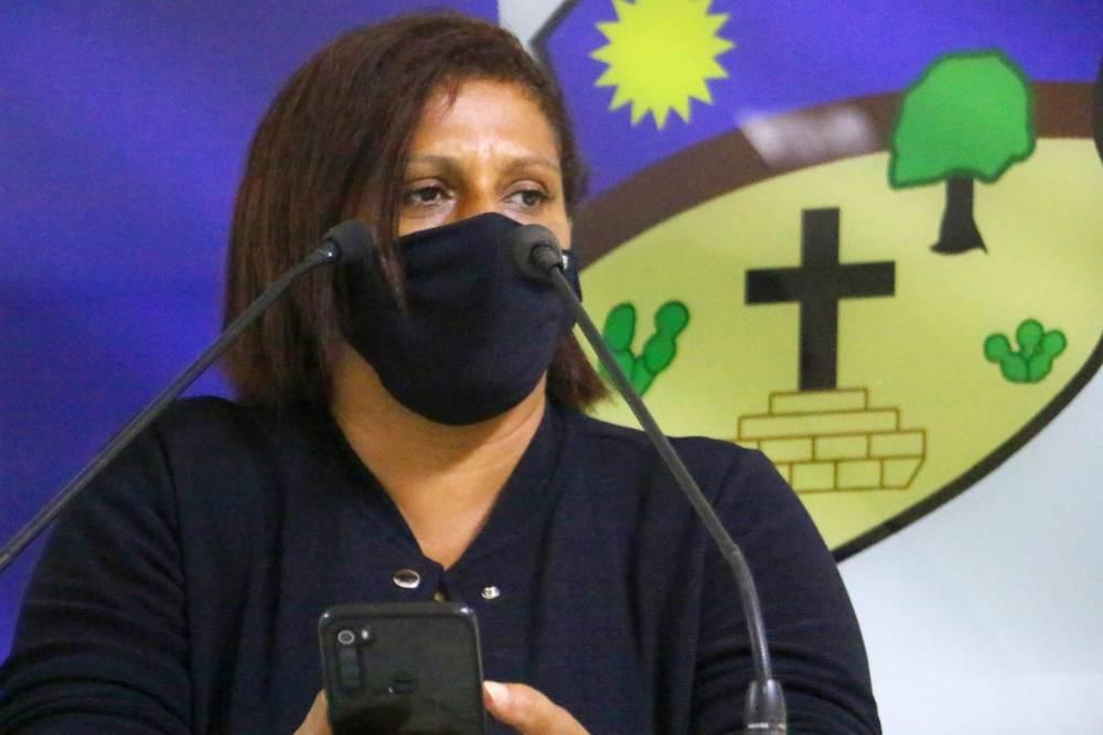 """""""São muitos problemas na cidade"""", dispara vereadora Nêga contra gestão municipal"""