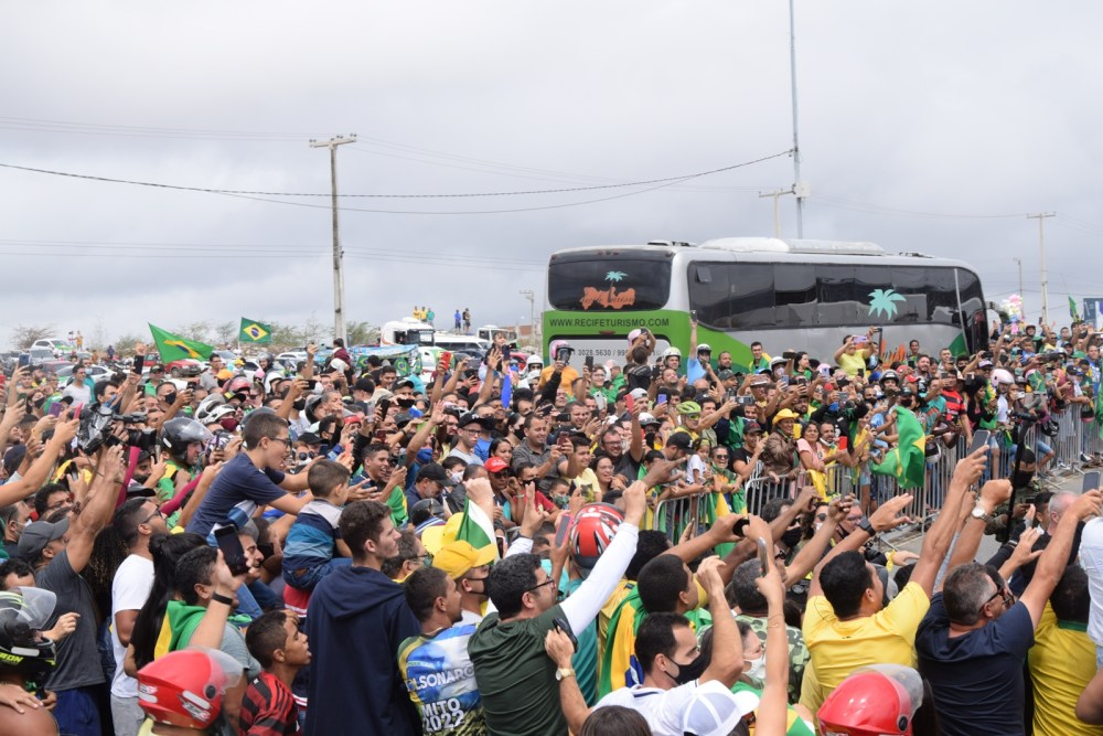 Motociata de apoiadores do presidente encerra-se em Caruaru