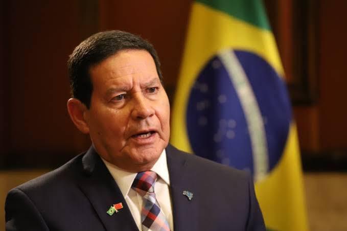 Alepe aprova projeto que concede título de Cidadão Pernambucano para Hamilton Mourão, vice-presidente