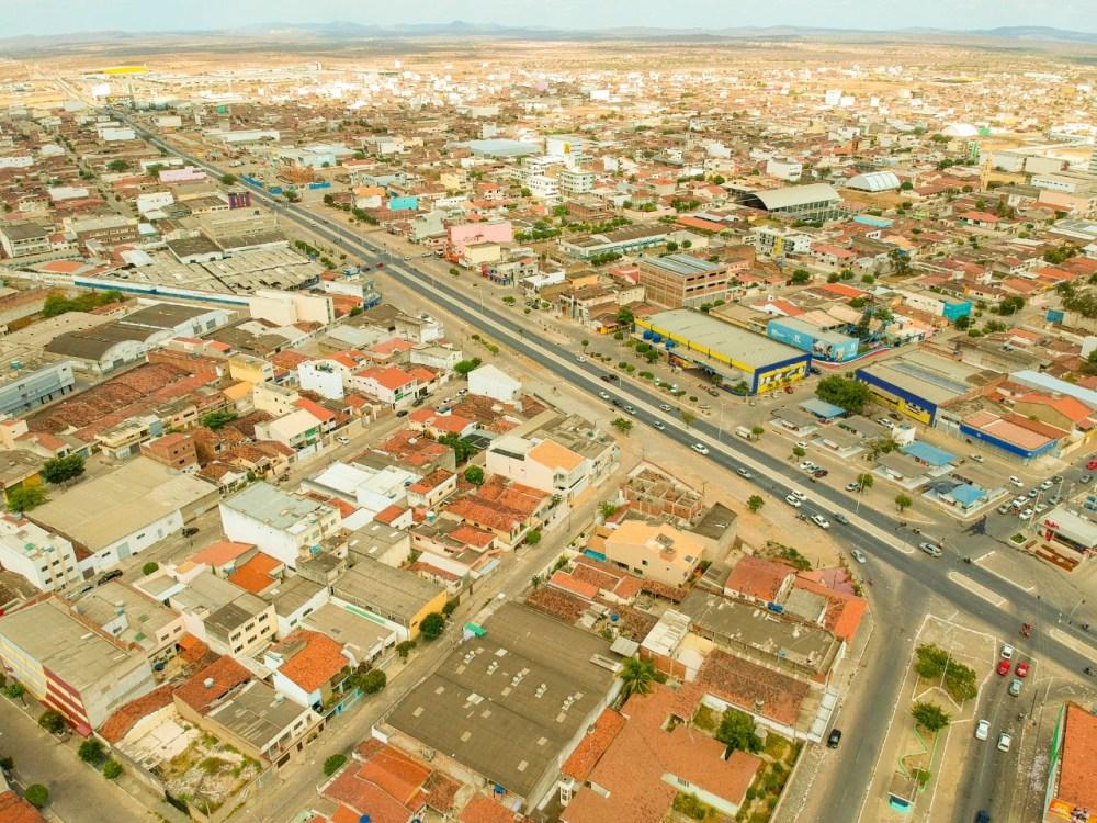 Santa Cruz do Capibaribe volta a registrar quedas de energia nesta segunda (13)