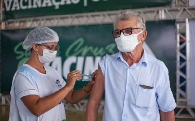 Santa Cruz inicia agendamento da Terceira Dose da vacina para idosos de 70 anos