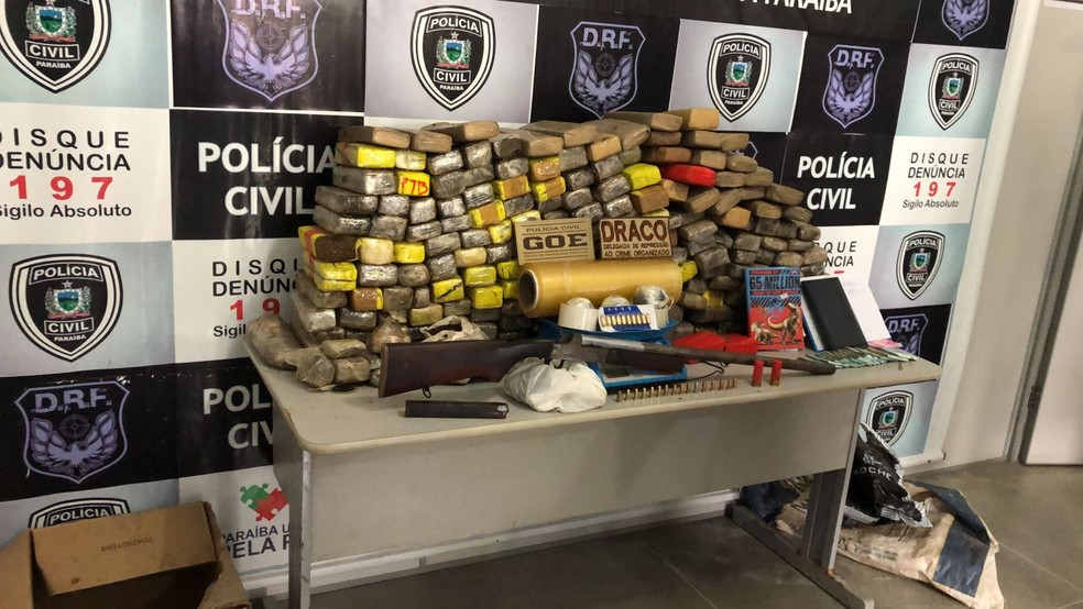 Dois suspeitos de tráfico são presos na PB e indicam localização de 200kg de maconha em PE