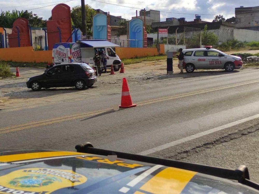 Em um dia, PRF autua 41 pessoas por alcoolemia nas BRs de Pernambuco