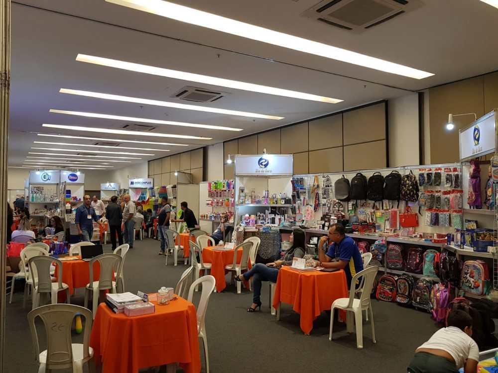 Feira em Caruaru reúne expositores de utilidades e presentes