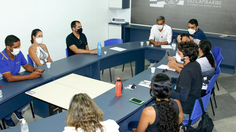 Fábio Aragão se reúne com professores na tarde desta quinta-feira (7)