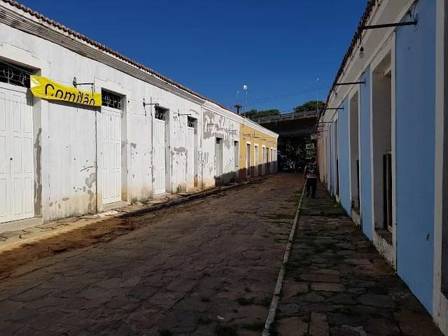 Porto das Barcas: A incrível disposição de W. Dias em abandonar as coisas de Parnaíba