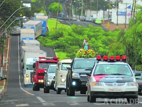 Carreata reuniu mais de 50 caminhoneiros em Ribeirão Preto - SP