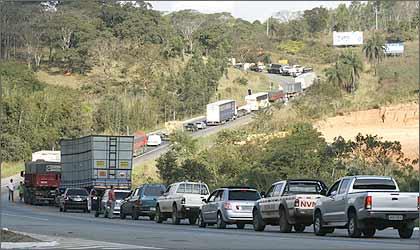 Duplicação caminha a passos lentos na perigosa rodovia