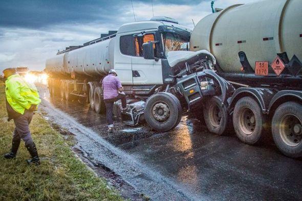 acidentes com caminhoes