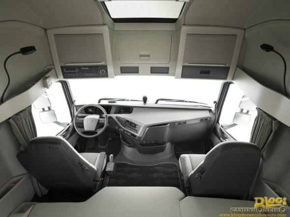 Interior - Novo Volvo FH