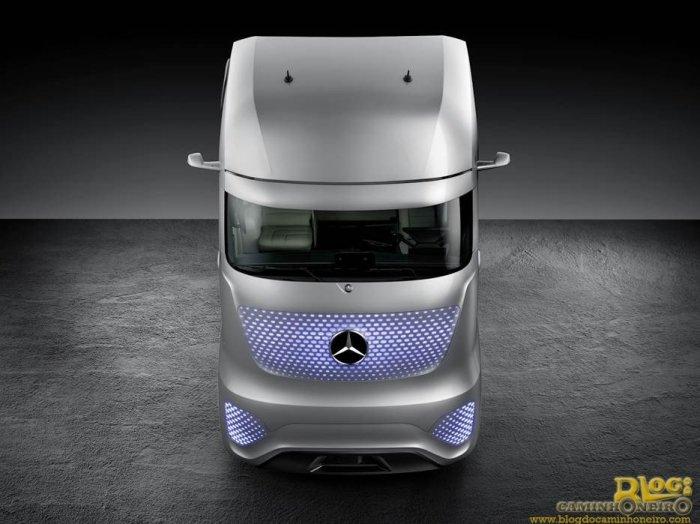 Mercedes-Benz revela o Future Truck 2025 (27)
