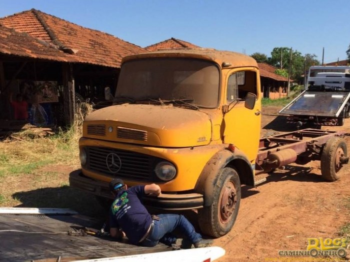 Barn Find - Mercedes-Benz 1113 1983 (18)
