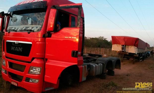 Roubo de pneus de caminhoes (4)