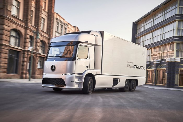 mercedes-benz-urban-etruck-2