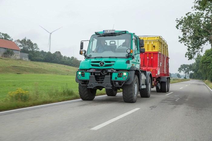 """Hervorragende Resultate im PowerMix-Test des wichtigsten Agrarverbands: Mercedes-Benz Unimog U 530 erhält Prüfsiegel """"DLG-anerkannt 2016"""""""