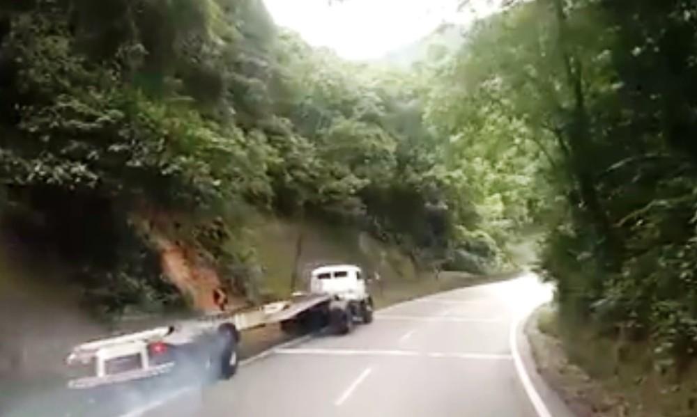 Vídeo registra caminhão sem freio em acidente na Rodovia Anchieta em SP