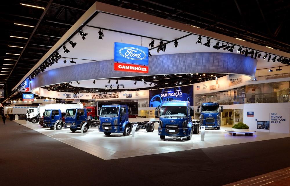 Ford apresenta na Fenatran linha completa de caminhões
