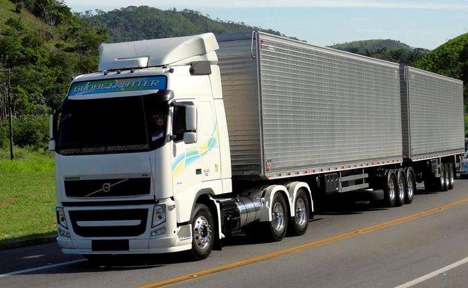 Proprietário de caminhão e transportadora terão que indenizar família de vítima de atropelamento