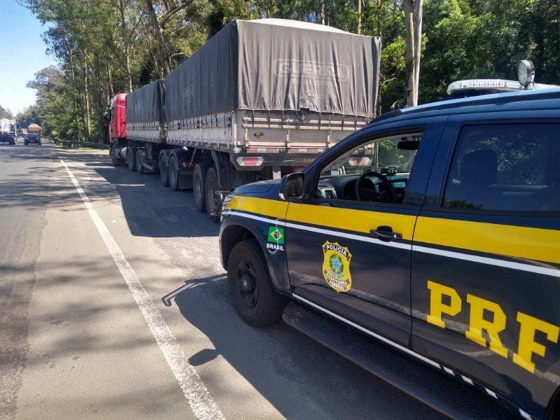 PRF flagra motorista conduzindo bitrem há mais de 20 horas ininterruptas