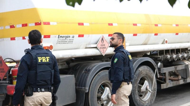 PRF inicia Operação Proclamação da República 2018 com restrição de tráfego para caminhões