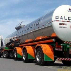 Transportes Dalçoquio tem vagas para motoristas carreteiros em três estados